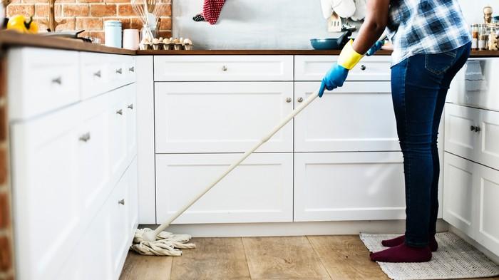 Pourquoi faire le ménage destresse certaines personnes