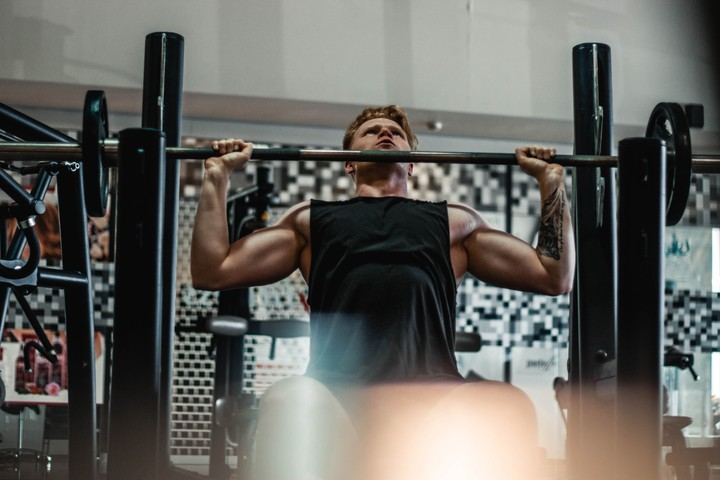 Building Muscle Doesn't Require Lifting Until You Can't Lift Anymore
