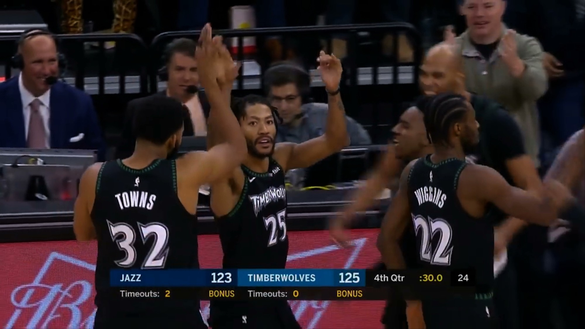 the best attitude a9811 fe014 The NBA Shouts Out Derrick Rose for His Career-High 50-Point ...