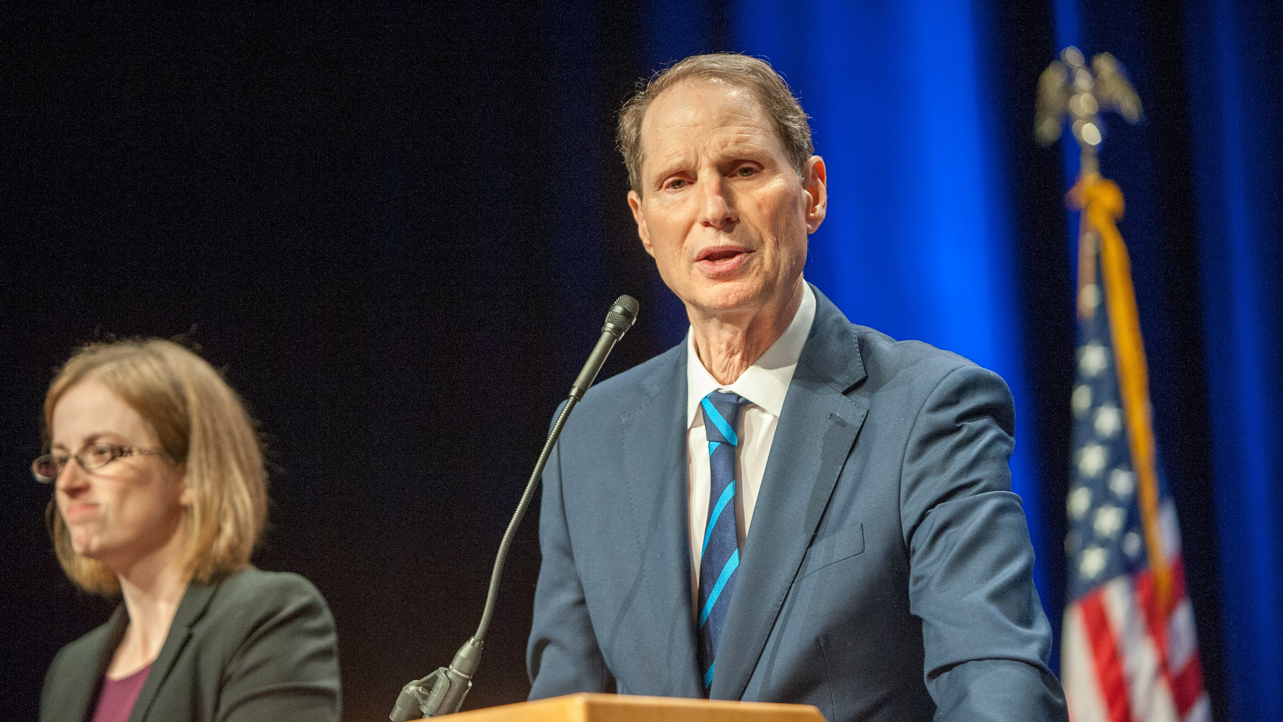 Sen. Ron Wyden Introduces Bill That Would Send CEOs to Jail for Violating Consumer Privacy