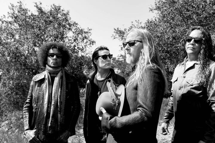 O Alice in Chains mantém vivo o ofício do rock