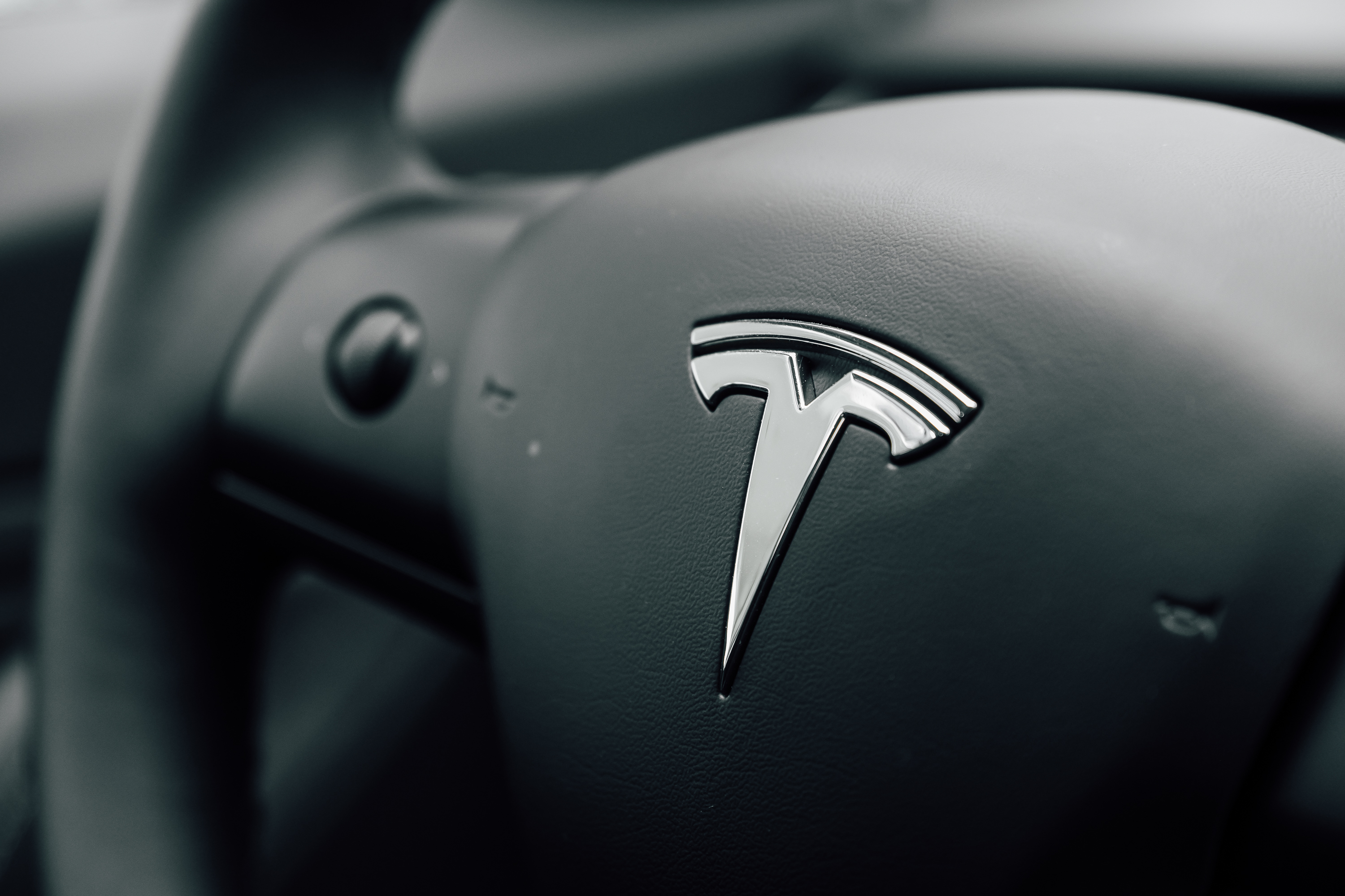 vice.com - Joseph Cox - Customer Complains About Tesla Forums, Tesla Accidentally Gives Him Control Over Them
