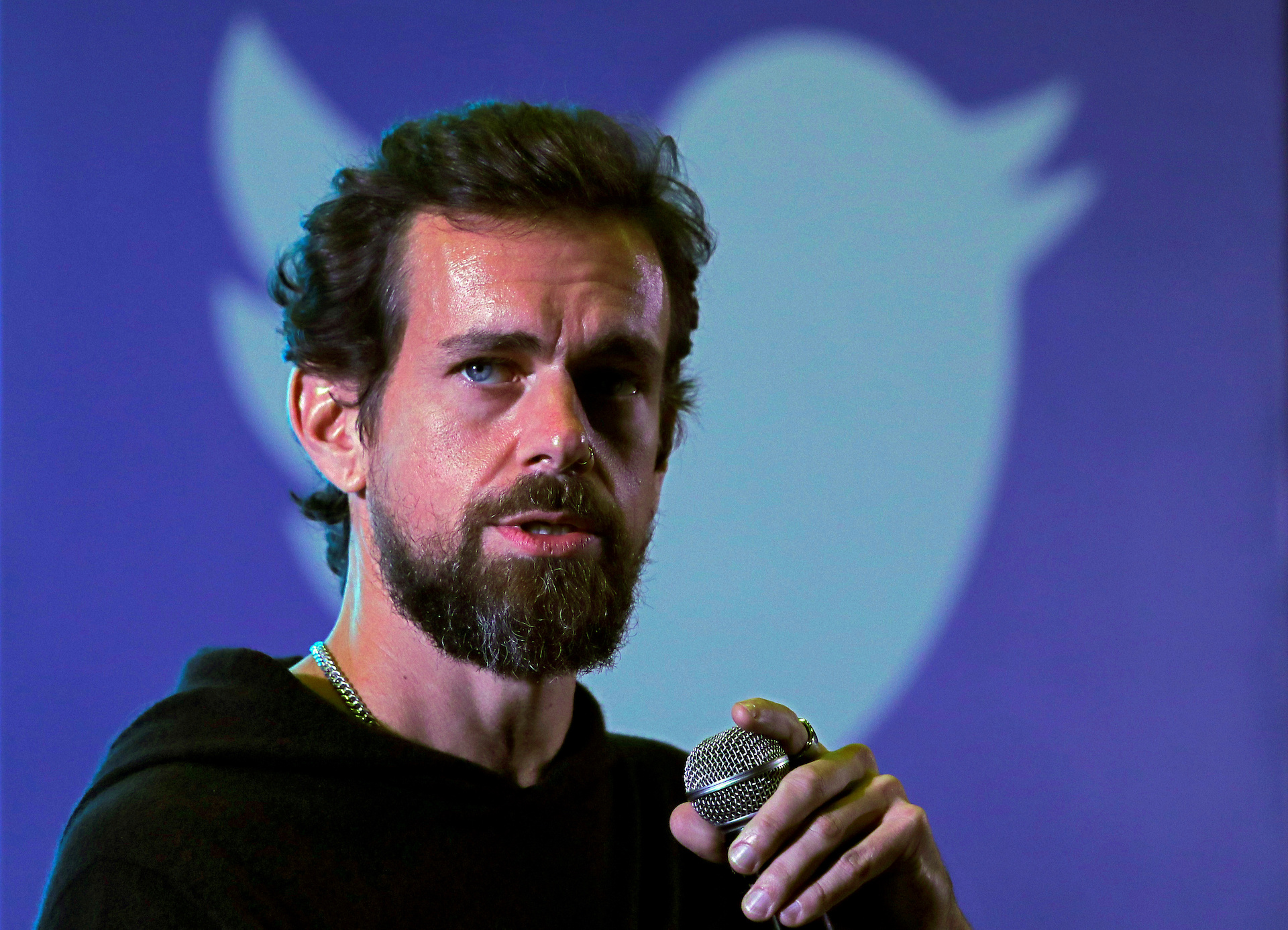 vice.com - David Gilbert - Jack Dorsey went to India to promote Twitter. He started a huge fight instead. - VICE News