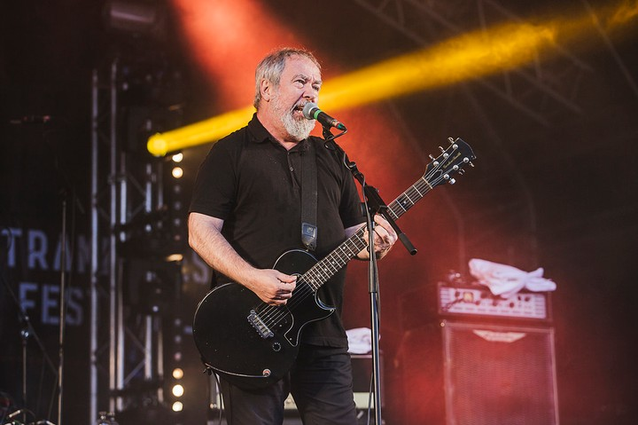 Morre Pete Shelley, líder do Buzzcocks, aos 63 anos