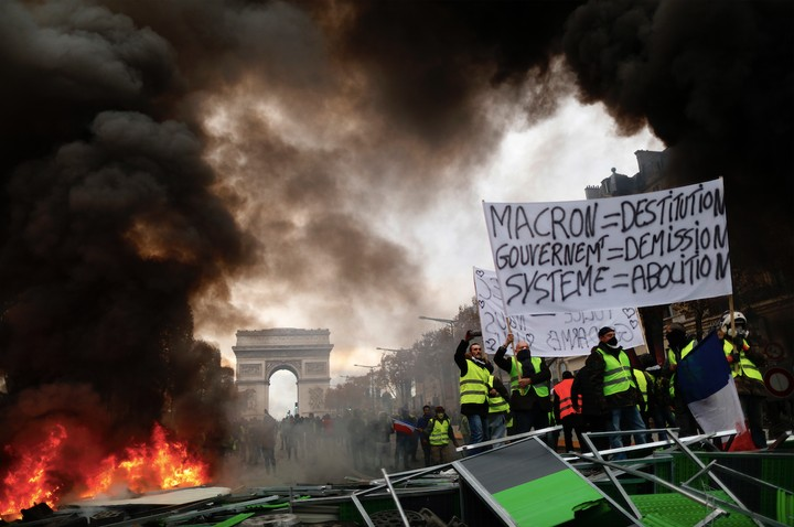 The Paris 'Yellow Vest' Protests Show the Flaws of Capitalism