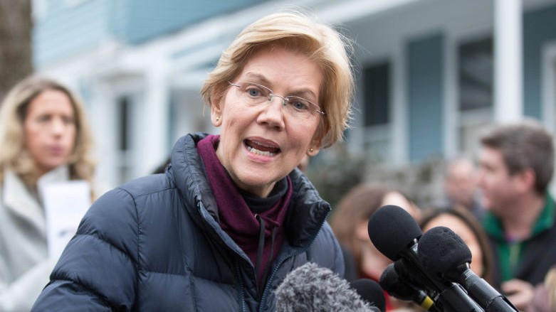 Elizabeth Warren Is Donating Her Shutdown Salary to Refugee Nonprofit