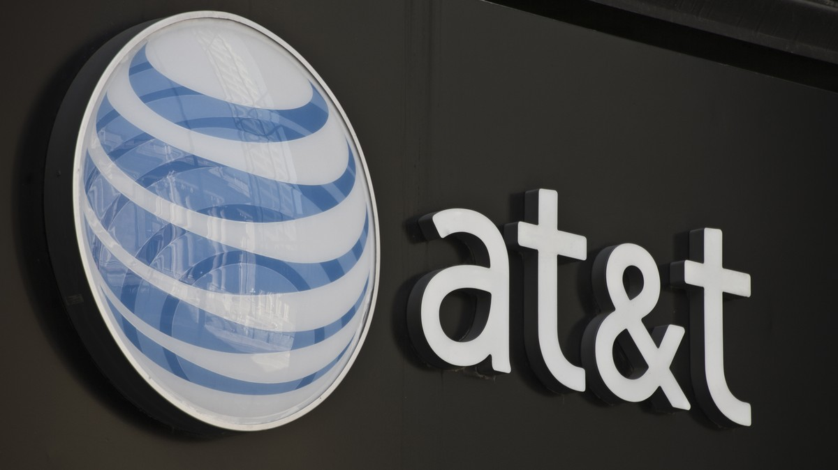 AT&T Preps for New Layoffs Despite Billions in Tax Breaks and Regulatory Favors