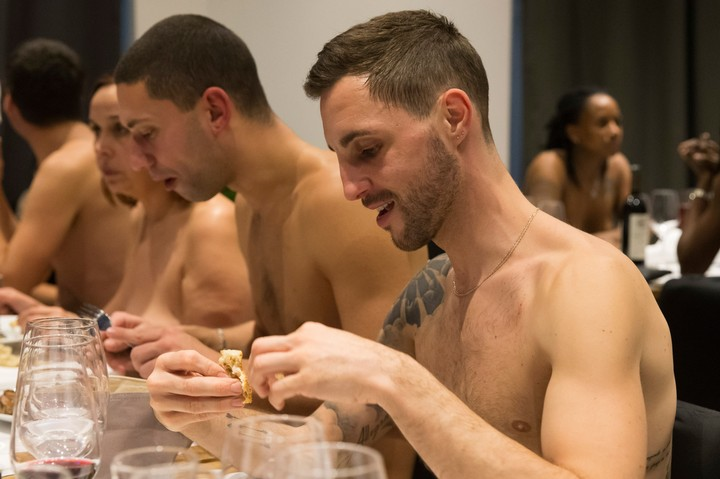 Naked Restaurant Closes Because No One Wants to Eat Naked in Public - VICE