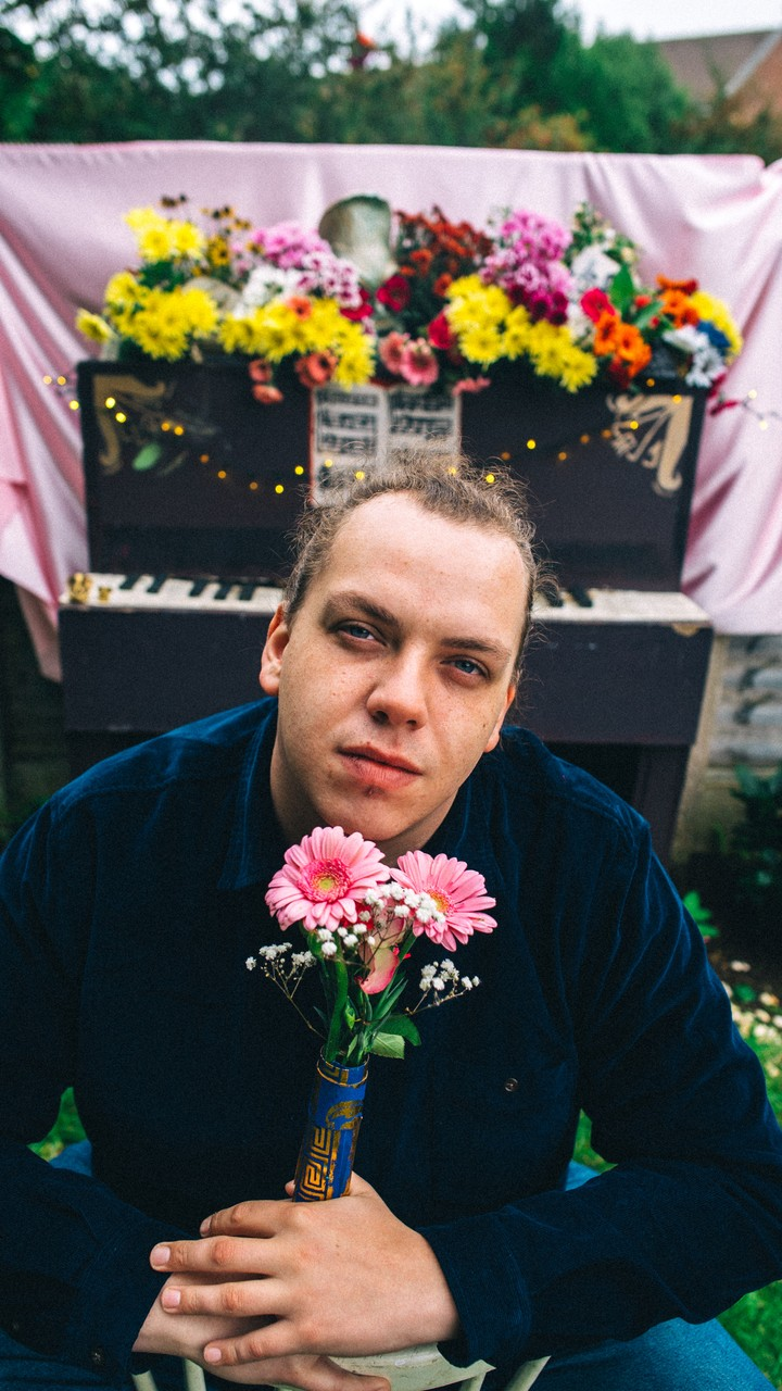 10 things you need to know about weirdo scouse jazz crooner, brad stank