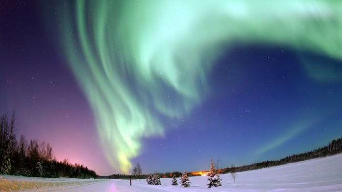 Scientists Solve the Mystery of Why the Northern and Southern Lights Don't Match