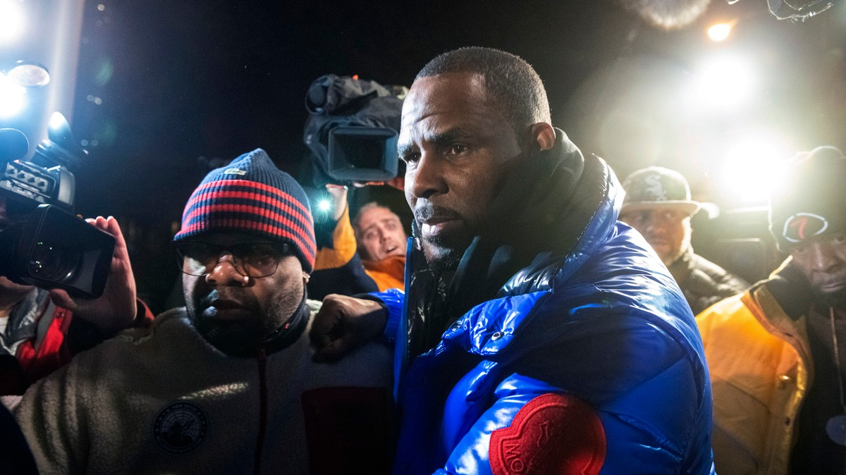 """""""I'm fighting for my fucking life:"""" R. Kelly screamed and ..."""