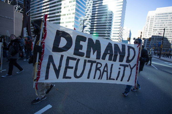Some Democrats Are Ready to Water Down Their Own Net Neutrality Bill