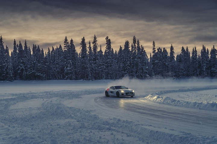 Dancing on Ice | Drifting Through Northern Sweden's Land of the Frozen Lakes