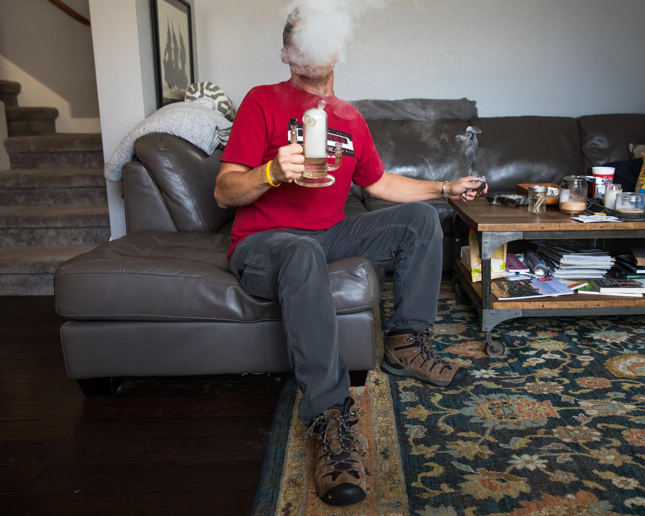vice.com - Brendan Bures - The Underground Marijuana Doctors of Texas