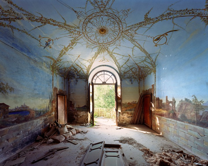 Take a Look Inside Some Abandoned Secret Mansions in Italy