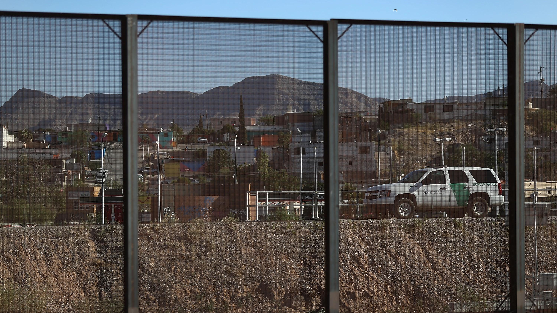 Trump's week just got even better: $1 billion for wall construction