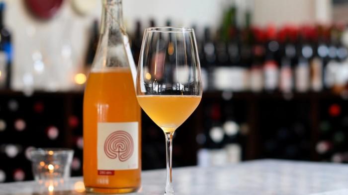 Pourquoi on devrait éviter d'appeler ça du « vin orange »