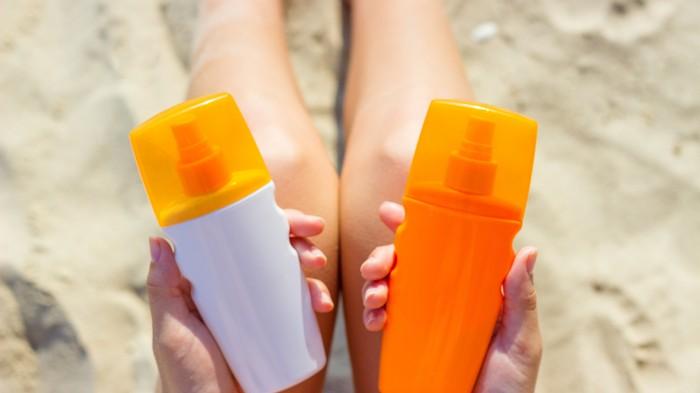 Fausse bonne idée : cacher de la vodka dans des tubes de crème solaire