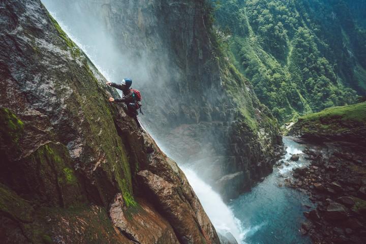 Sawanobori | Why Climbing Waterfalls is Sacred in Japan