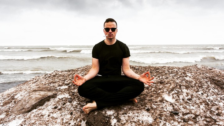 A Cynic's Guide to Meditation - VICE