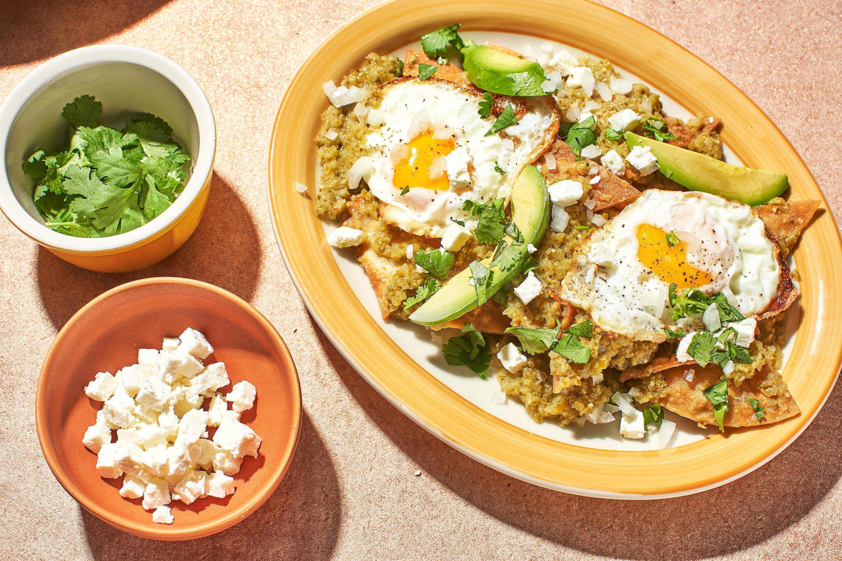 Le Chilaquiles con avocado: la perfetta colazione messicana
