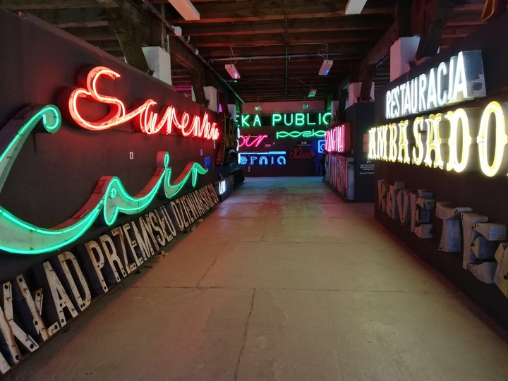 The Neon Museum | How a Glowing Room in Warsaw Tells the Story of Poland Under Communism - Amuse