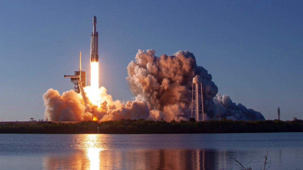 spacex launches rocket - HD1802×1200