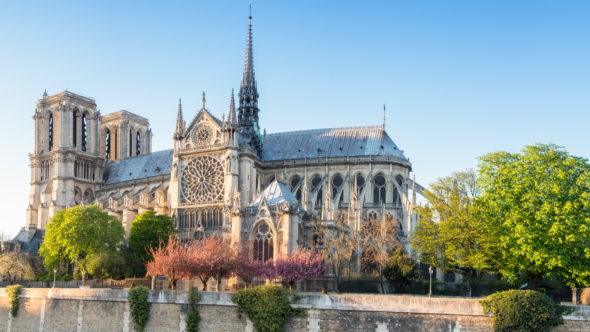 YouTube's Bad Anti-Conspiracy Algorithm Links Notre Dame Fire to 9/11 Attacks