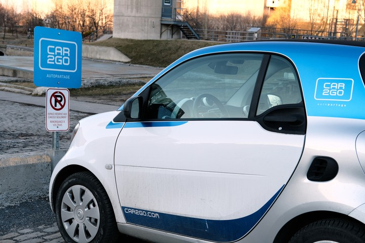 Thieves Somehow Stole 100 Car2Go Cars in Chicago