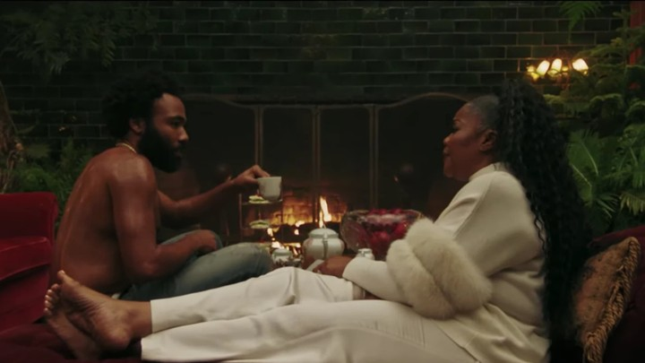 mo'nique makes grits for donald glover in a new short film
