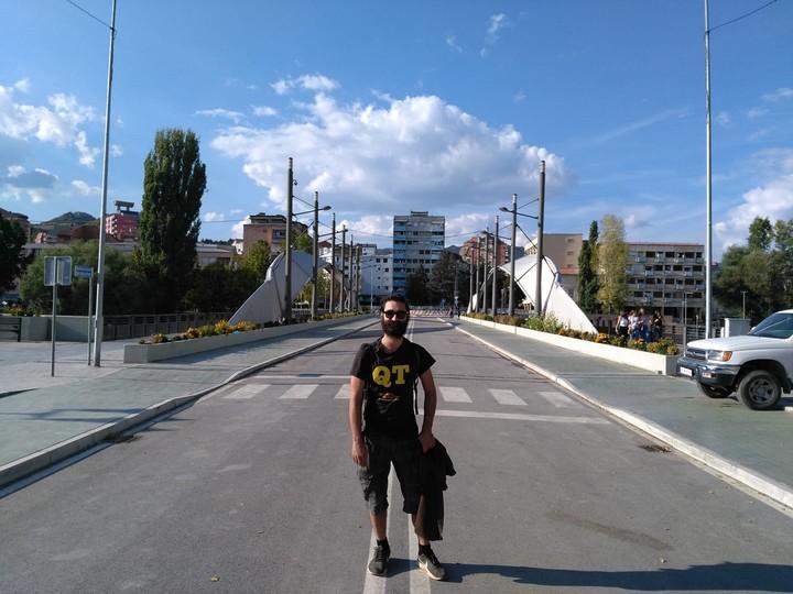 On a discuté avec un humanitaire français expatrié au Kosovo - VICE
