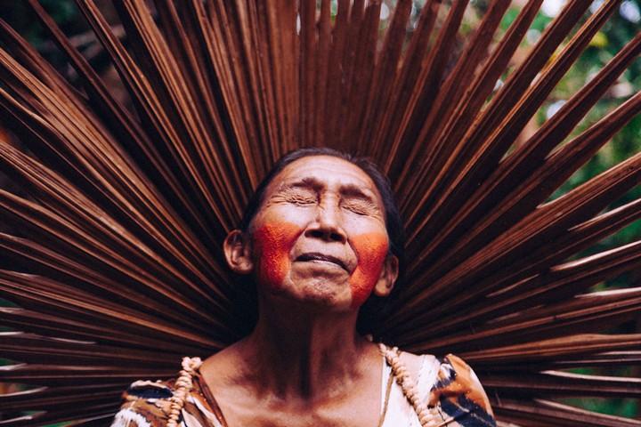 Ces photos célèbrent la force et l'endurance des femmes indigènes - VICE