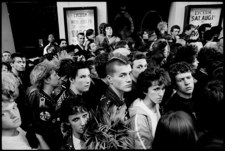 le punk des années thatcher vu par un photographe français