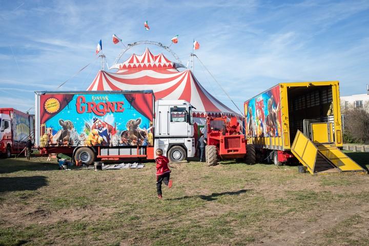 Une journée avec des gamins du cirque - VICE