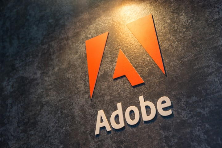 Adobe Tells Users They Can Get Sued for Using Old Versions of Photoshop - VICE