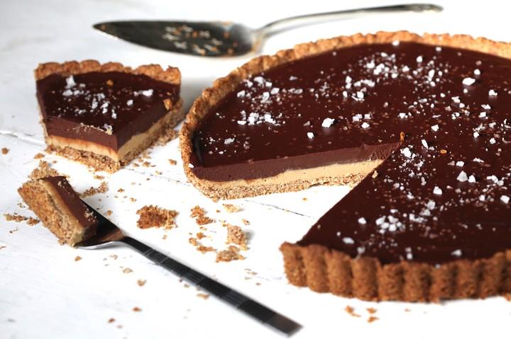 Gluten-Free Chocolate Peanut Butter Tart Recipe - VICE