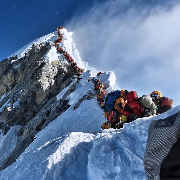 There Are So Many Climbers on Everest That Two People Died in a Traffic Jam - VICE