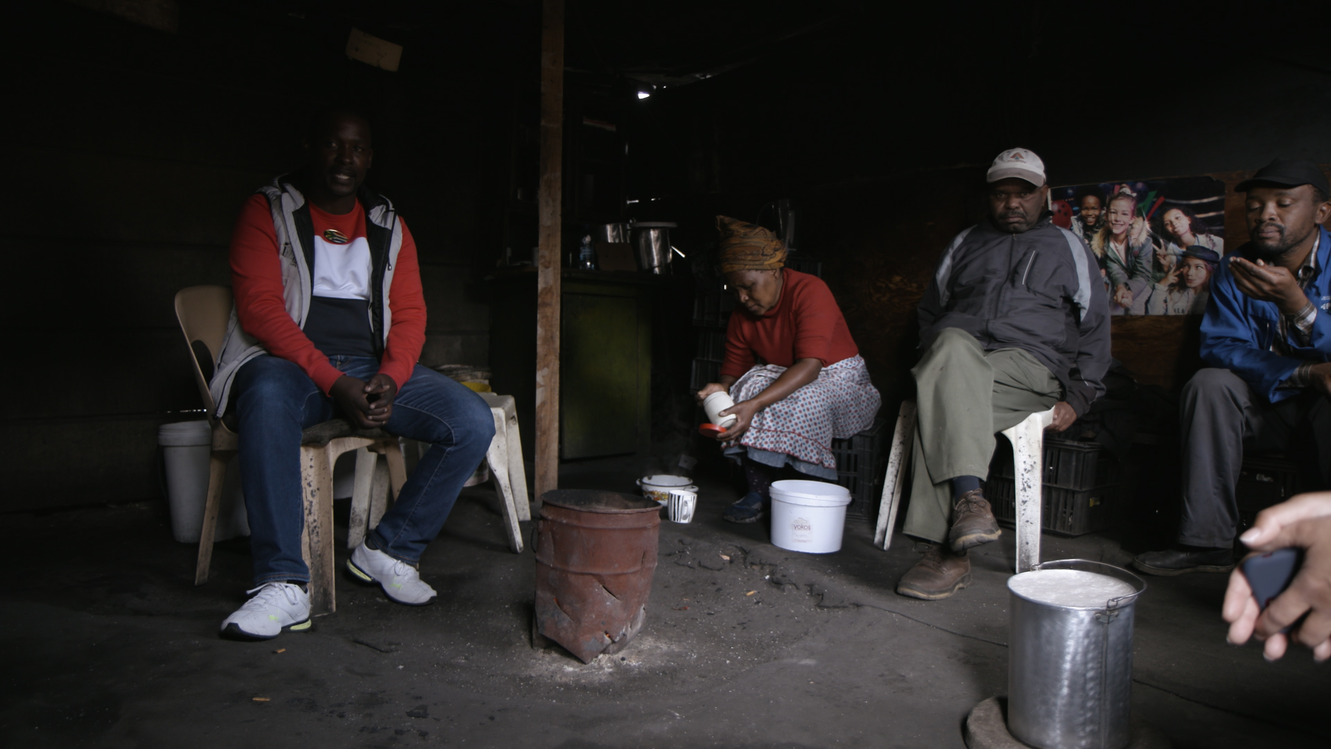 Why White European Tourists Are Visiting South African Slums