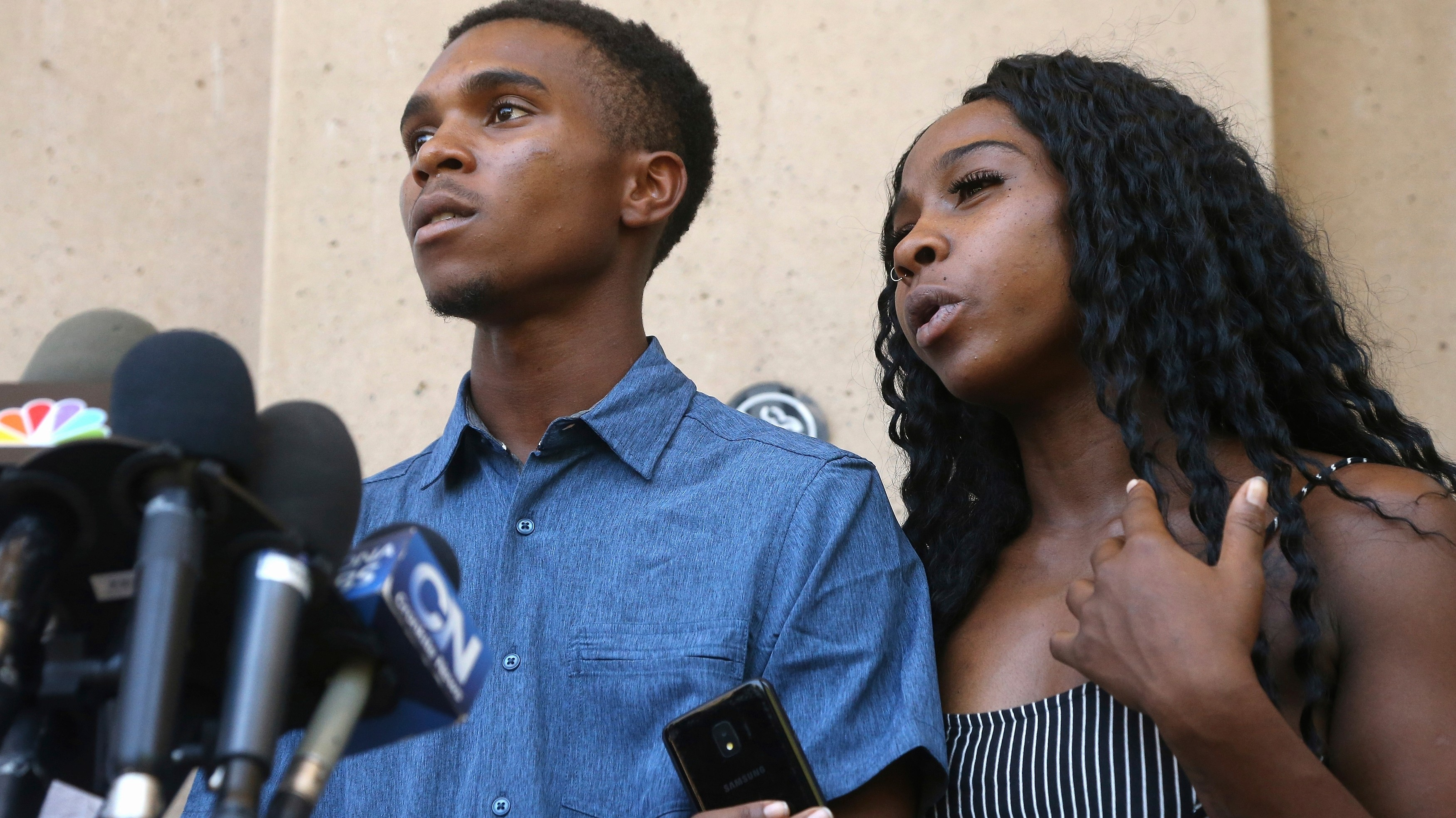 """Family Held at Gunpoint by Phoenix Cops Say Apologies Are a """"Slap in the Face"""""""
