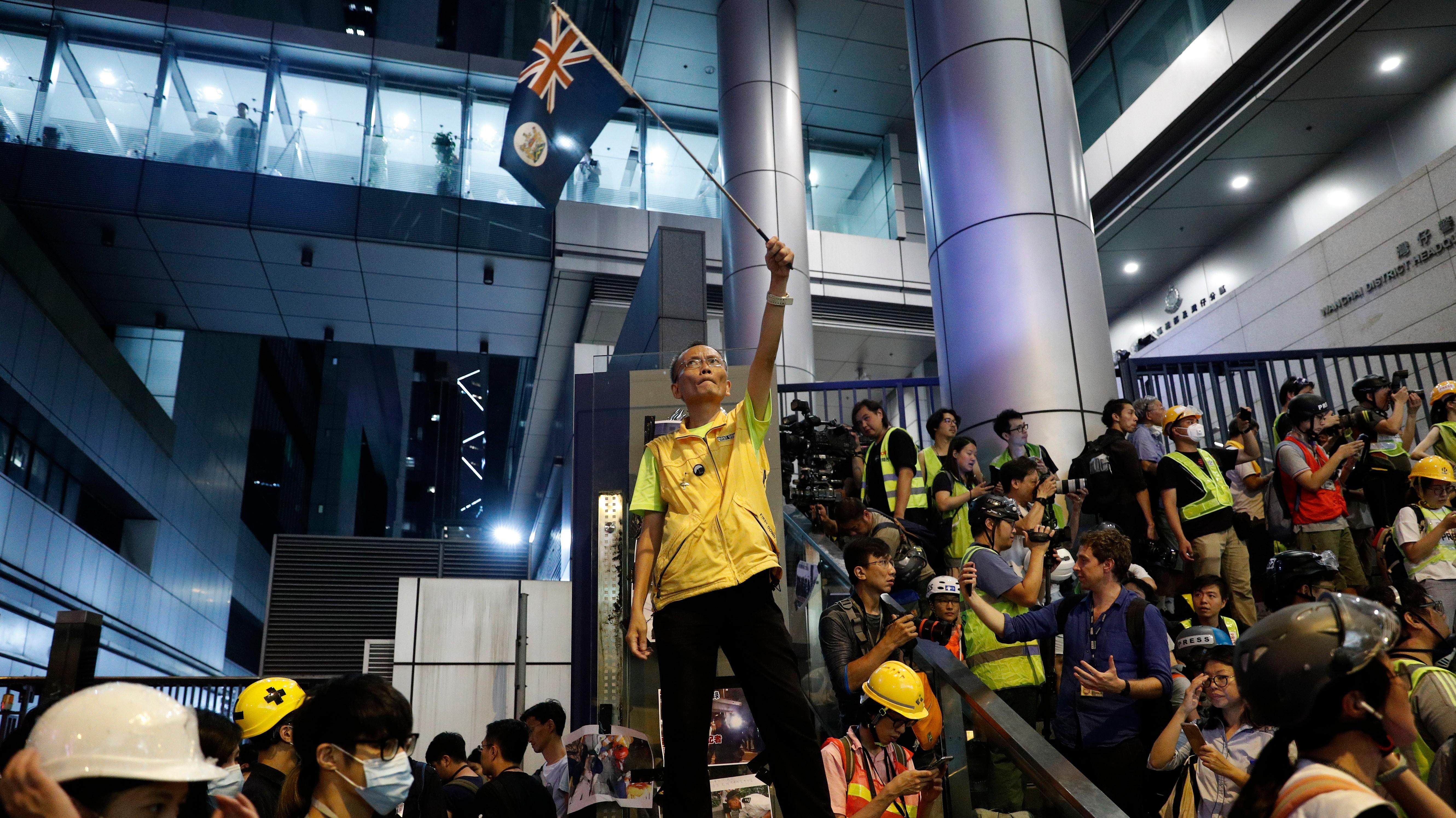 China Warns World Leaders: Don't Talk About the Hong Kong Protests