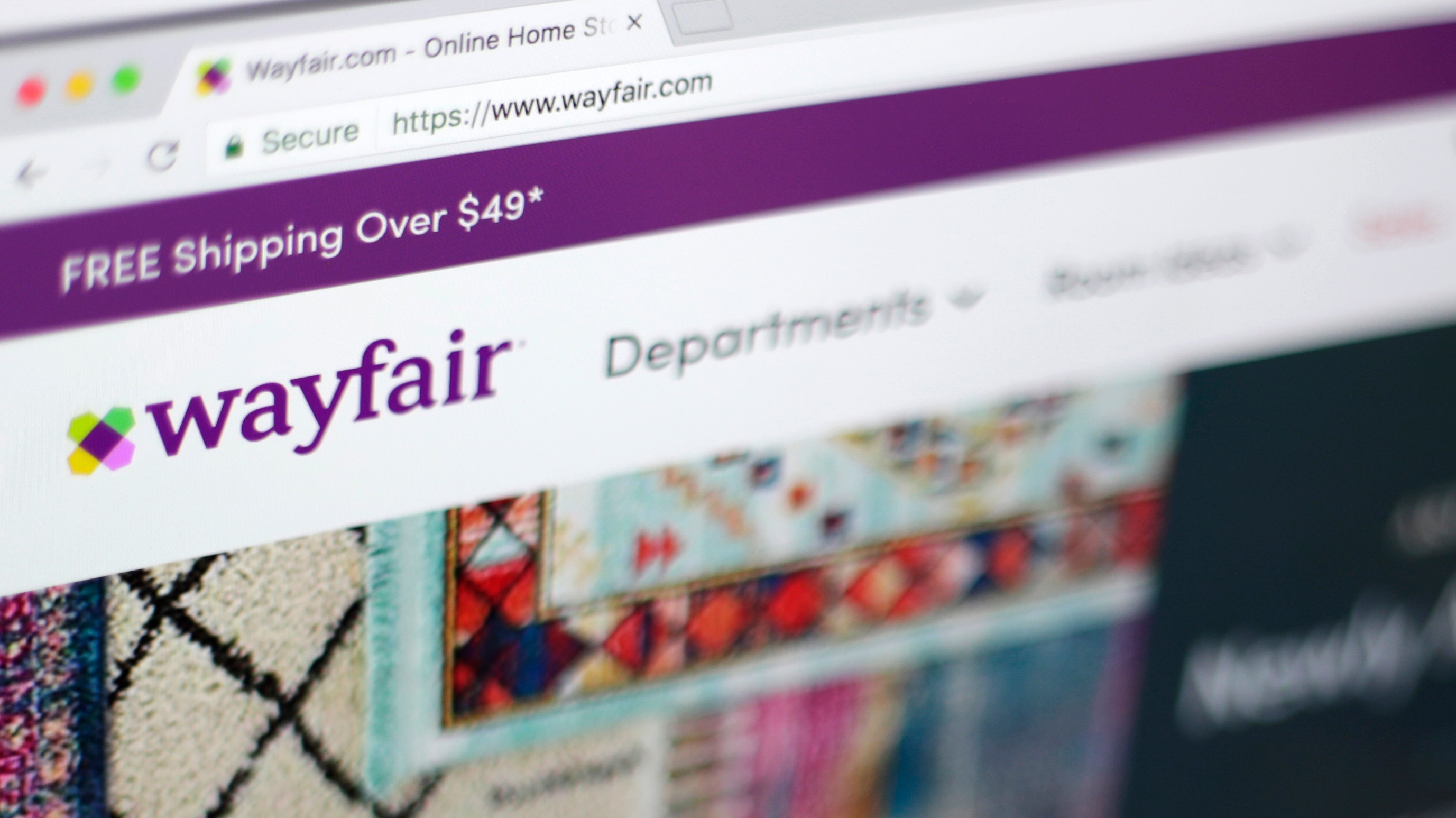 """Wayfair Workers Are Outraged the Company Is Selling Furniture to """"Border Camps"""""""