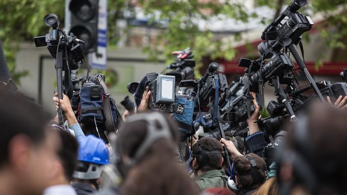 Les journalistes sont-ils voués à être remplacés par des robots ?