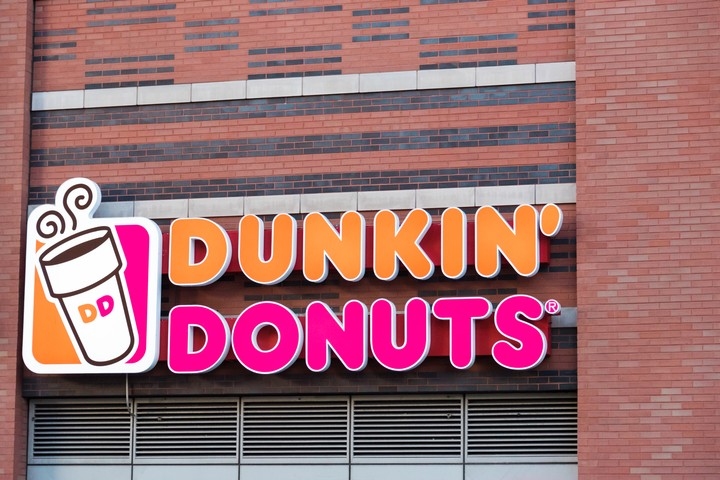 Dunkin' Is Closing Stores, Suing Franchisees Who Have Allegedly Hired Undocumented Workers - VICE