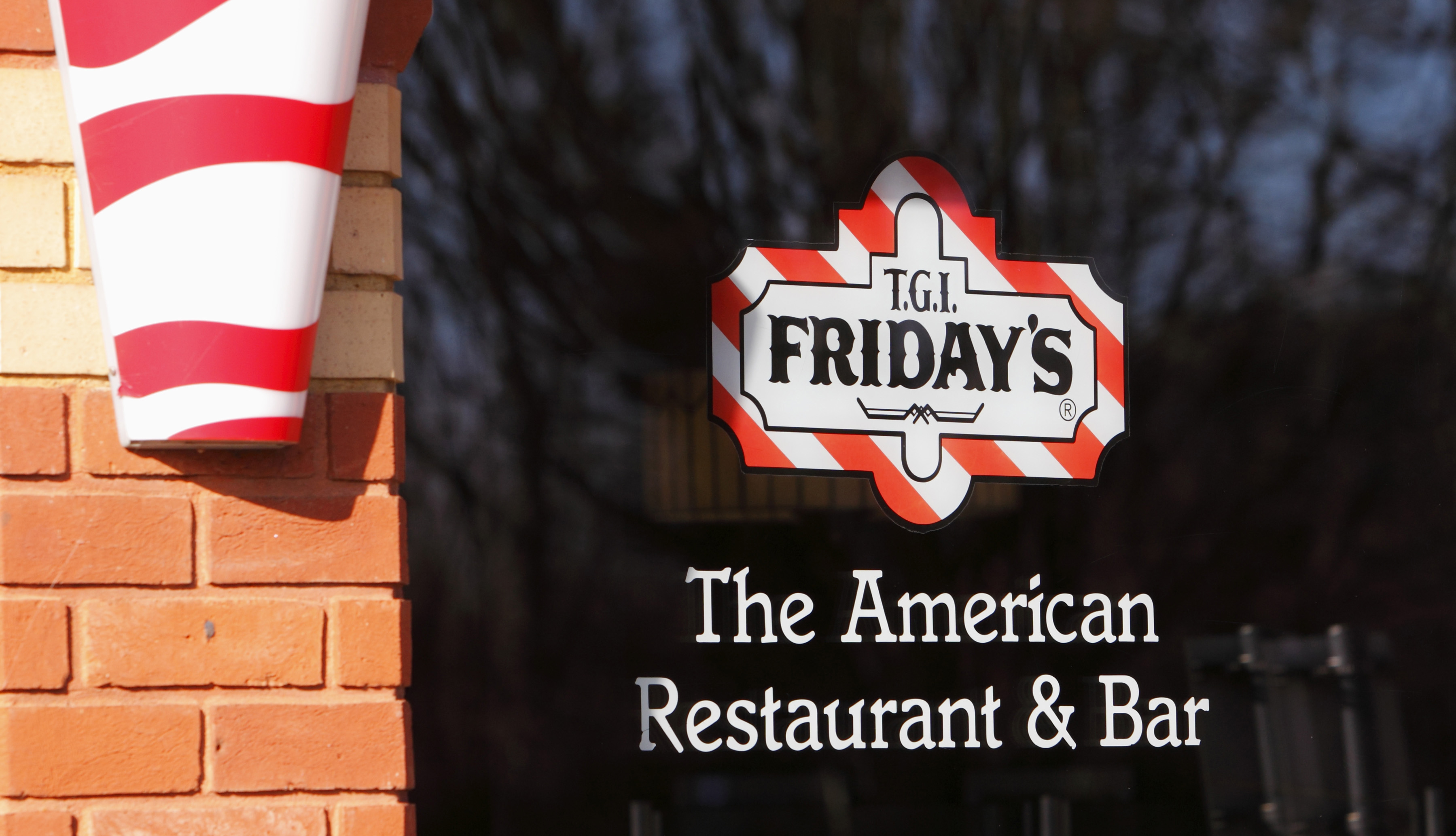 Man Sues TGI Friday's for Not Listing Drink Prices on the Menu - VICE