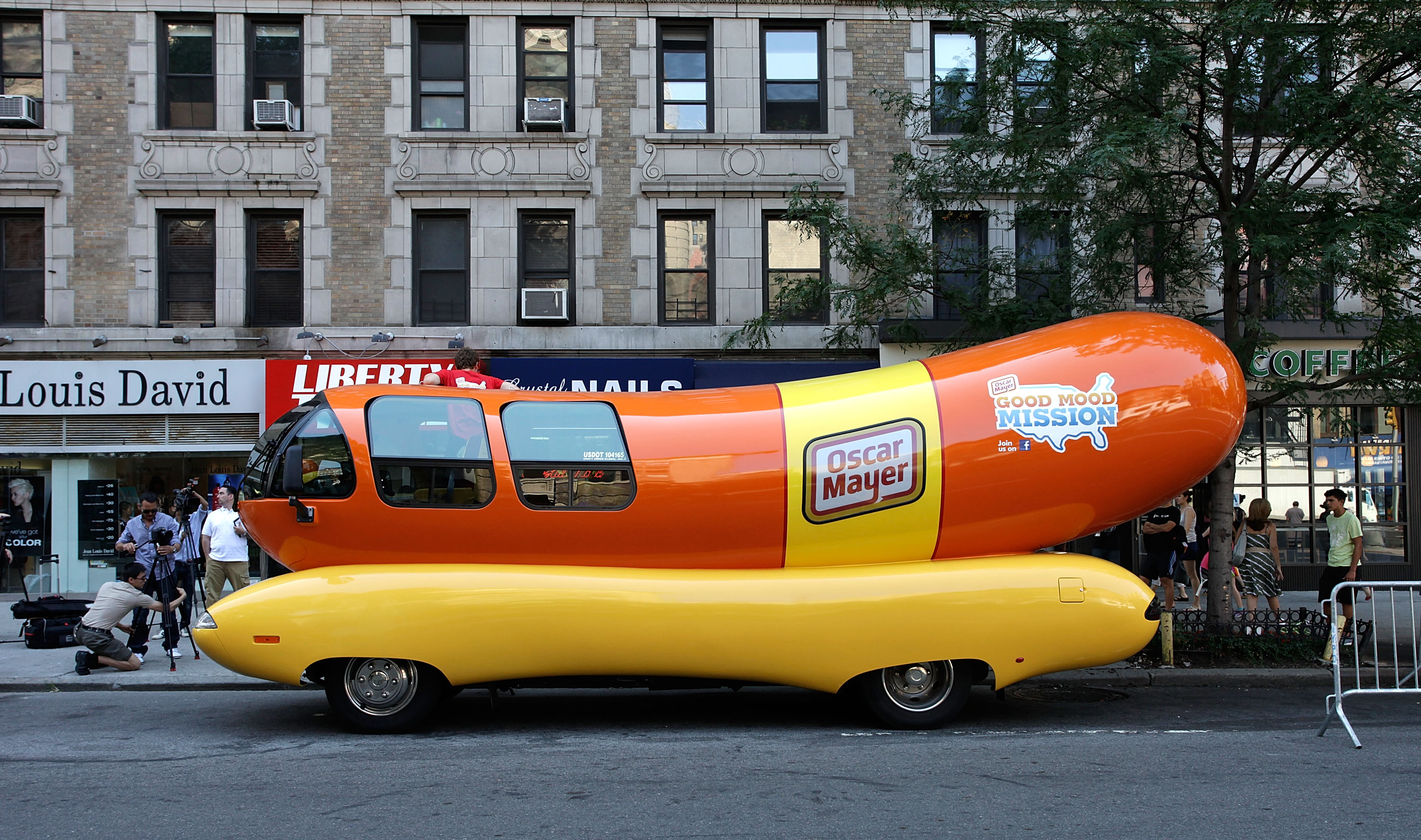 You Can Airbnb an Oscar Mayer Wienermobile This Summer, If That's Your Thing - VICE