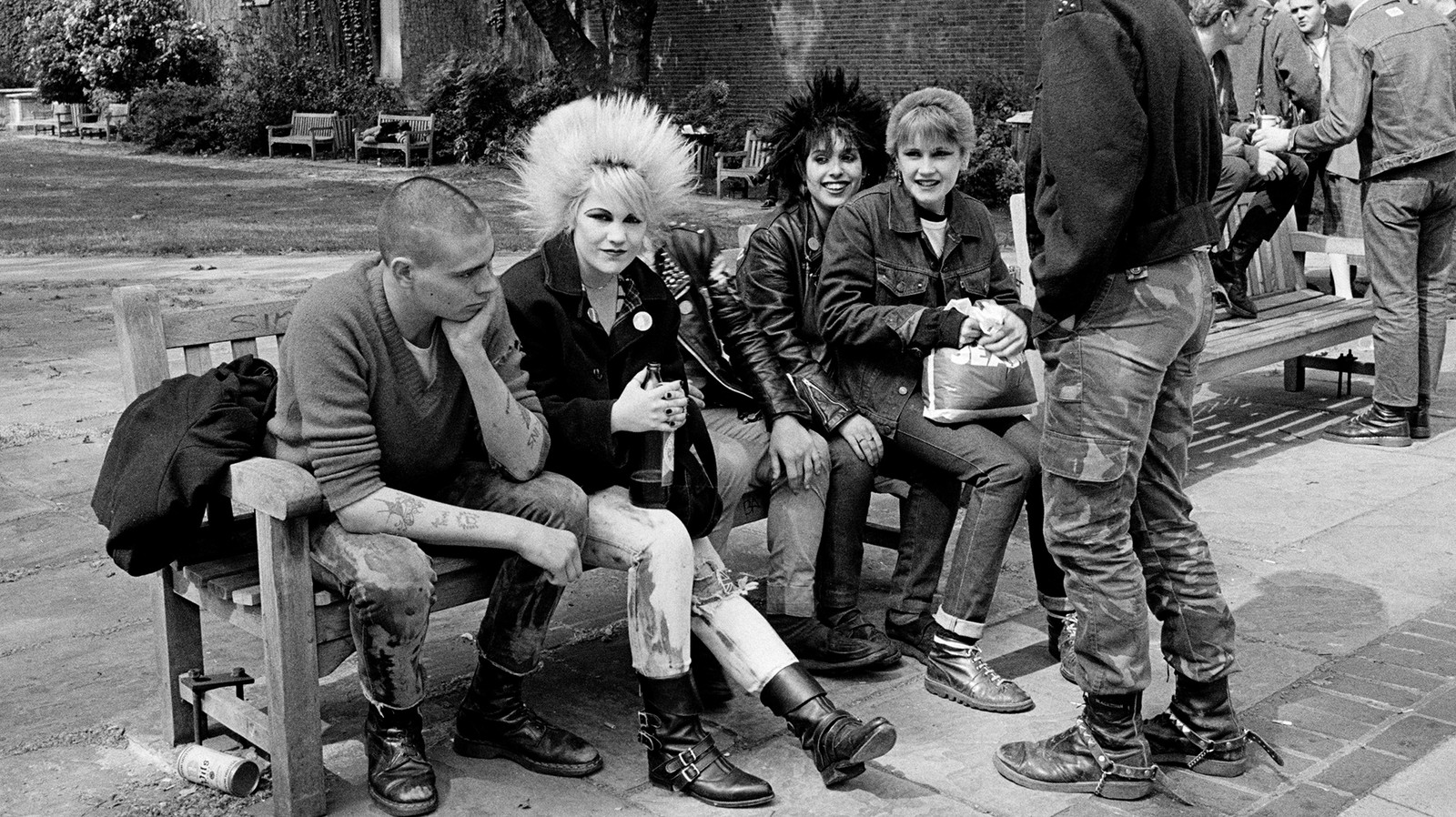 Never-Before-Seen Images of London's Punk Scene