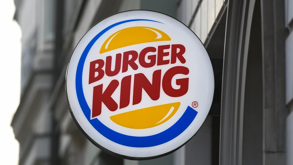 Five Burger King Workers Fired After Allegedly Drawing Cartoon Pig on Cop's Burger