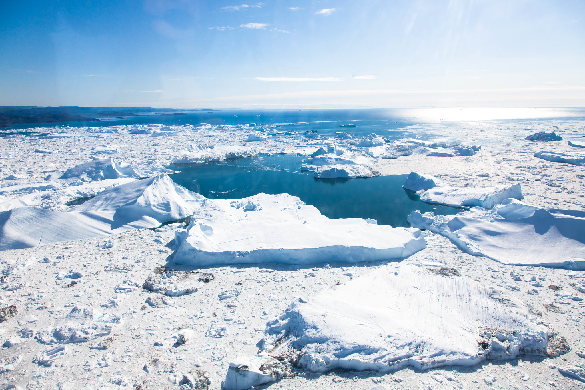 Arctic, Arctic snow now contains plastic and rubber due to pollution