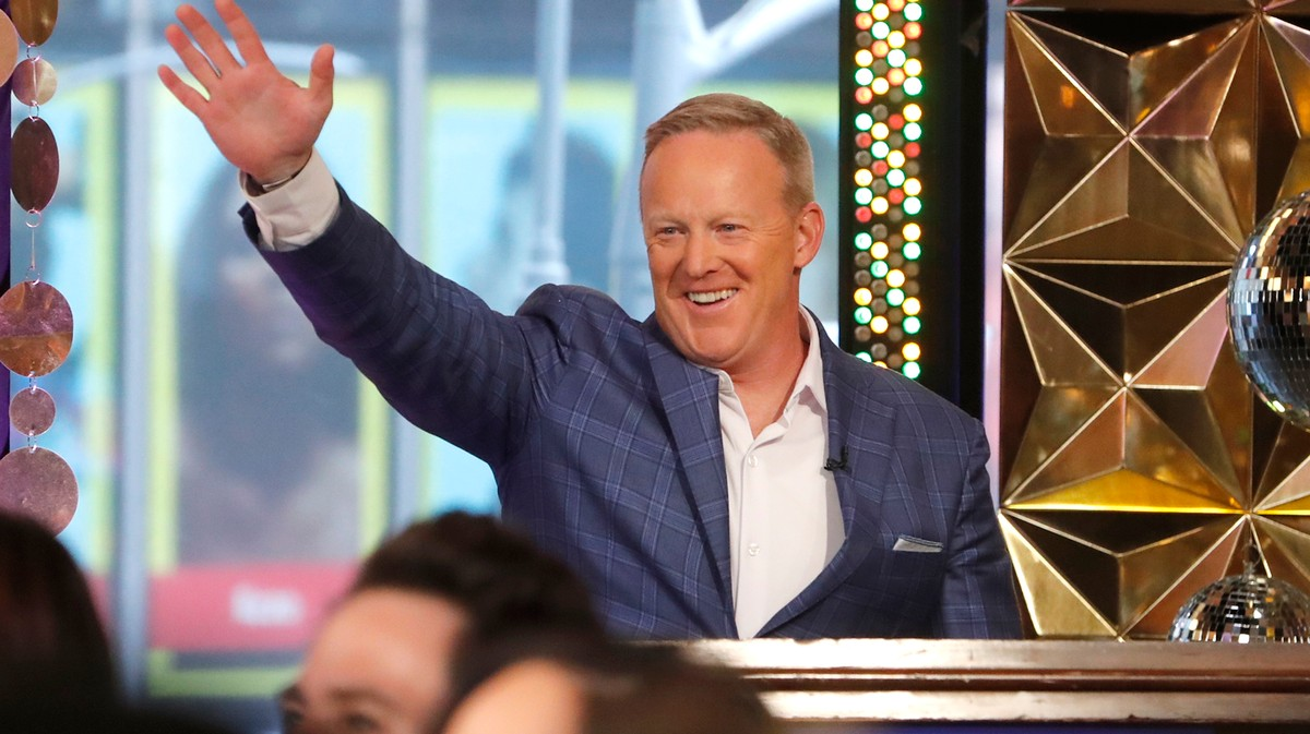 Why Is Failed Professional Liar Sean Spicer on 'Dancing with the Stars'?