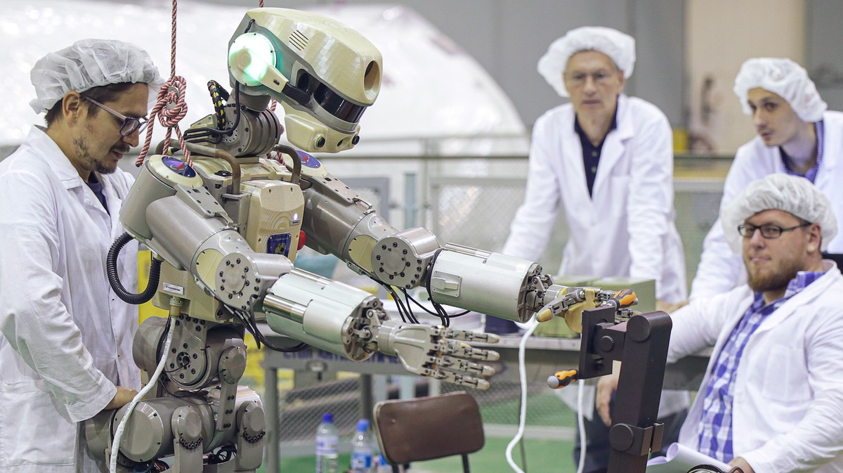 Russia Just Sent This Robot, Which Can Shoot Guns, Into Space